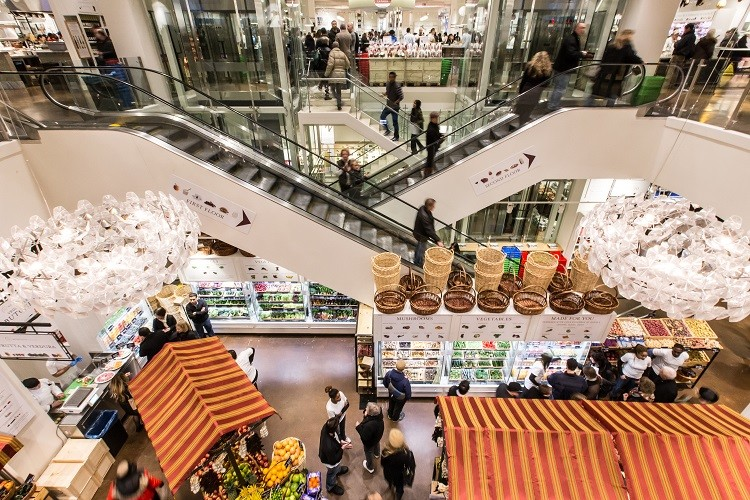 Eataly is a must-see stop for foodies during a Chicago shopping weekend trip.