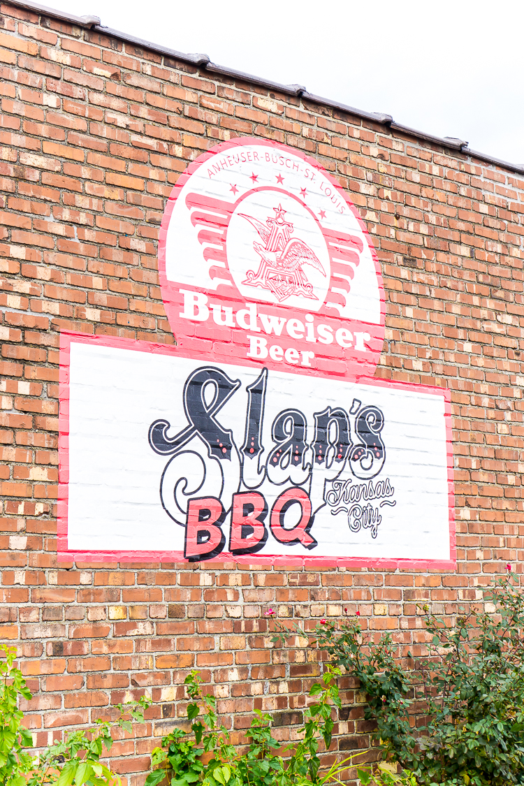 Slap's is one of the best Kansas City barbecue restaurants for family-friendly dining