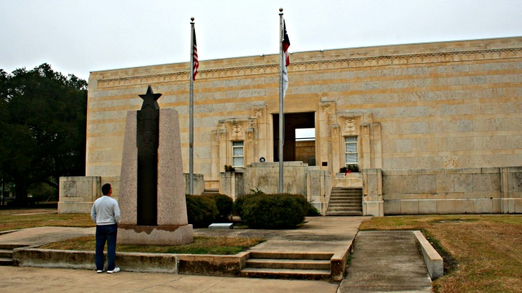 Exterior of Gonzales County Museum