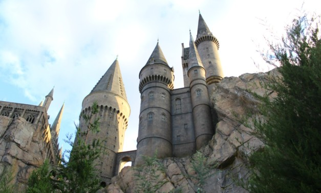 8 Tips For Harry Potter Fans Visiting Hogsmeade