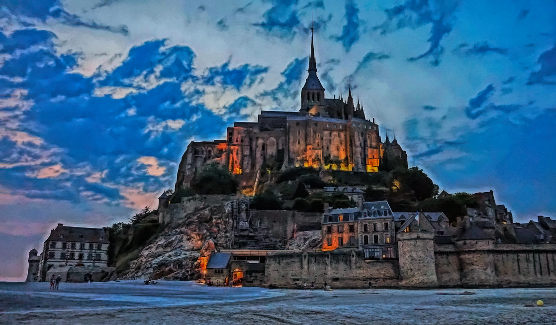 Night splendor of Mont Saint-Michael
