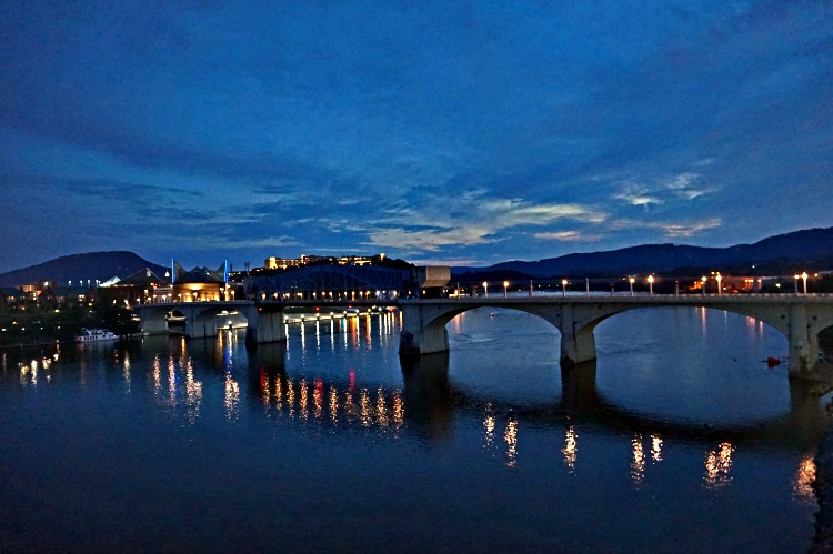 Southern Belle Riverboat dinner cruise -Chattanooga at night
