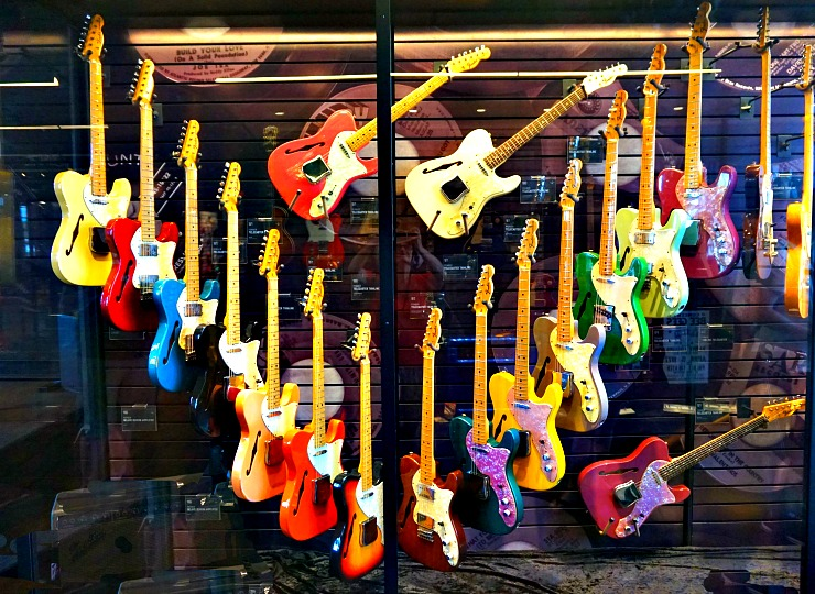Must- see in Chattanooga, Songbird Guitar Museum