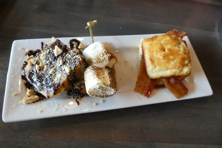 Dining at Red Oak restaurant is one of the things to do in St. Louis with kids.