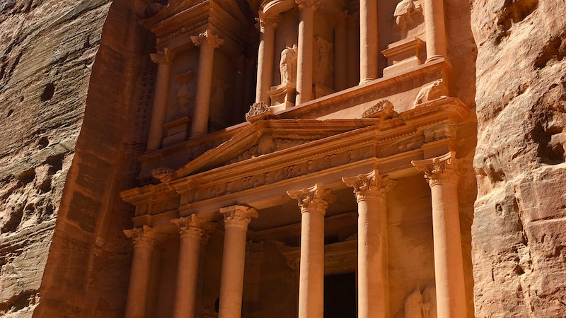Explore the Treasury in Petra. How to plan a trip to Jordan with kids.