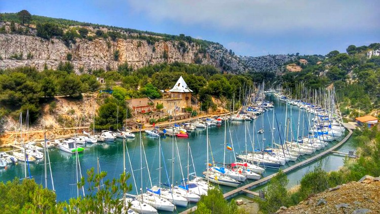 Boating and hiking paradise at one of many calanques in Cassis, France.