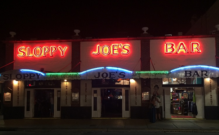 Looking for an easy weekend in Key West for the family? A stop at the iconic Sloppy Joe's is a must!