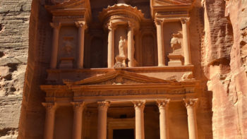 Tips for visiting Petra in Jordan.