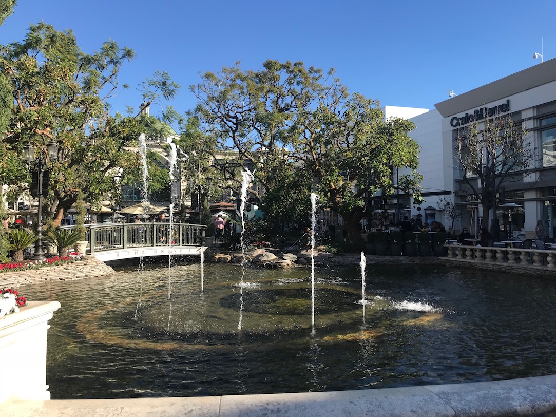 Free in west hollywood -dancing water fountains