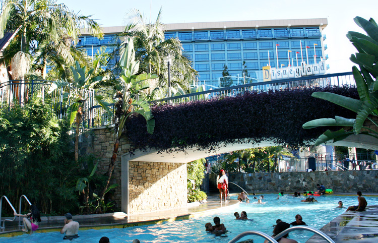 Planning a Disneyland vacation and wondering what to do under the sun in California? A day at the pool is ideal - these are the inside tips and must-know info on enjoying the pool at Disneyland resort hotels. #Disneyland