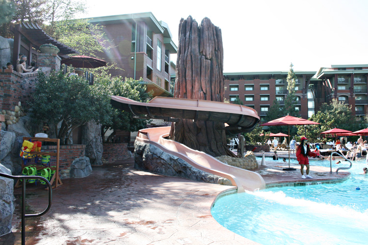Planning a Disneyland vacation and wondering what to do under the sun in California? A day at the pool is ideal - these are the inside tips and must-know info on enjoying the pools at Disneyland resort hotels. #Disneyland