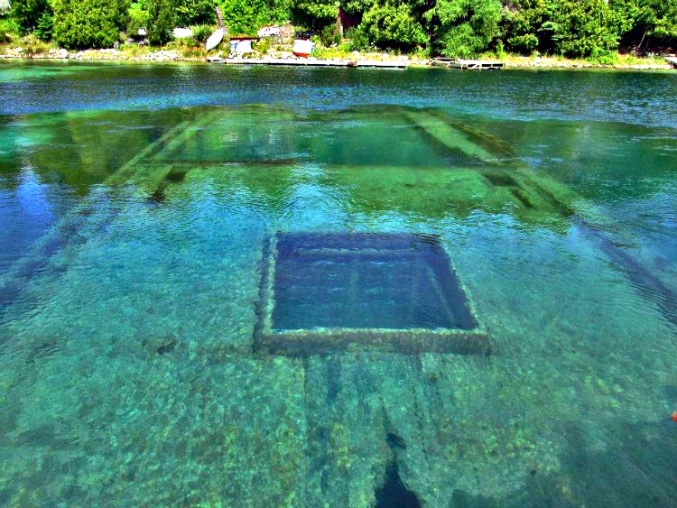 One of many shipwrecks around Tobermory, Ontario tells how dangerous these waters could be.