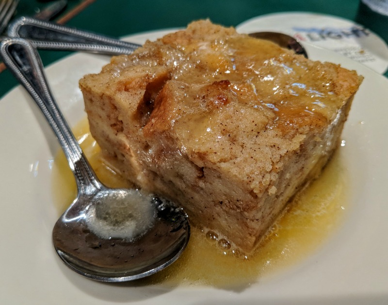 Things to do in Mobile Alabama - order dessert at Wintzell's Oyster House.