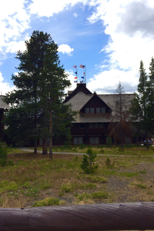Old Faithful Inn. The Ultimate Guide to Yellowstone National Park.