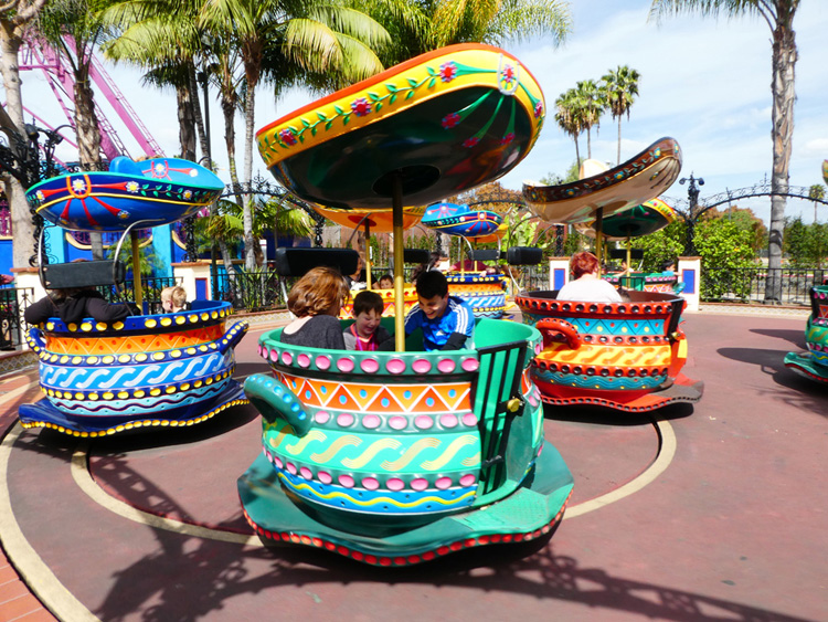 Planning a day trip to Knott's Berry Farm in Buena Park California? These are the insider tips on how to take on all the thrill rides, family adventures and boysenberry-inspired treats in a single day at Knott's! There are additional tips for special events including the popular Boysenberry Festival. #KnottsBerryFarm