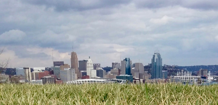 the Cincinnati Skyline in the background from Devou Park in Northern Kentucky