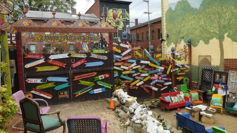 Looking for cool things to do in Pittsburgh - go to #Randyland - TravelingMom