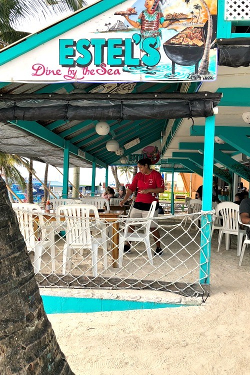 what are some places to eat on Ambergris Caye Belize