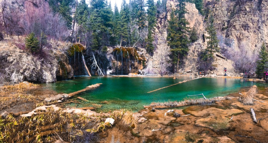 Hanging Lake is a beautiful Free Thing to Do In Glenwood Springs, CO.