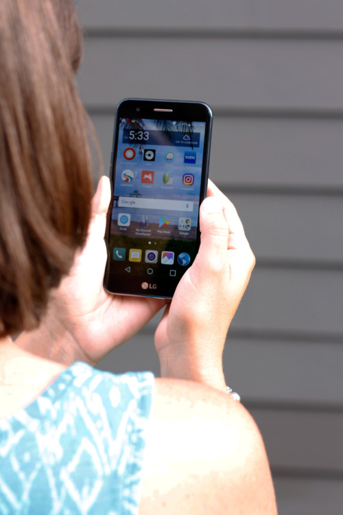 Traveling Moms are experts on which travel apps are the best.