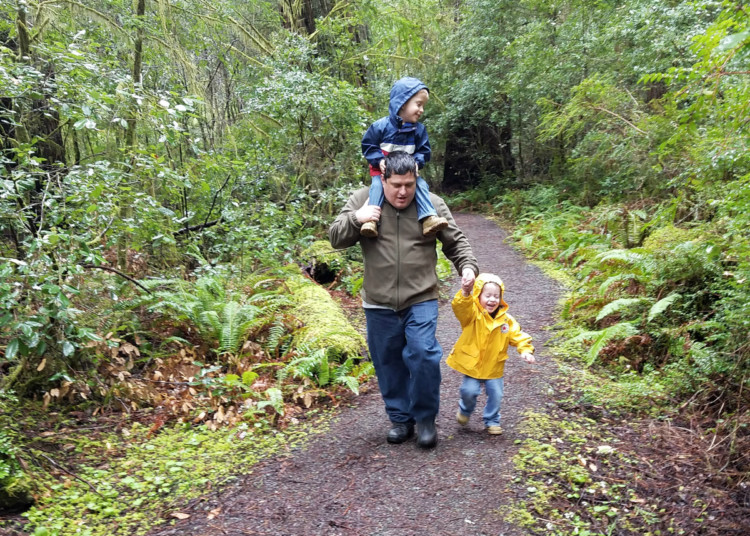 Hiking with kids in rainy Redwood forest