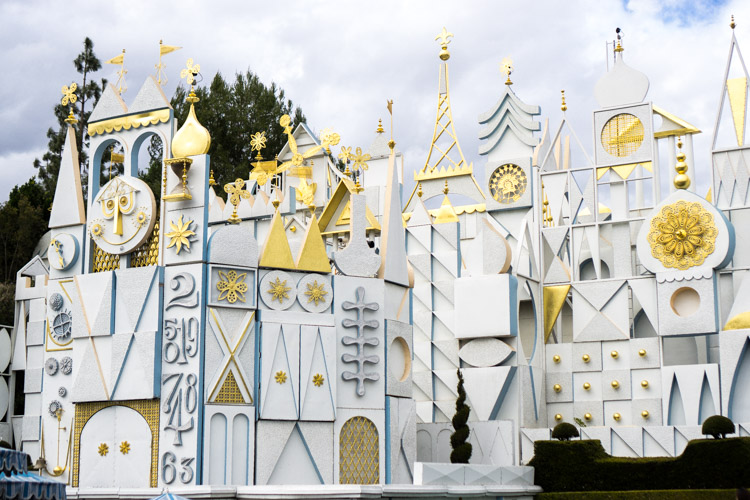 It's a Small World is one of the Disneyland rides that is much different than its Disney World counterpart.