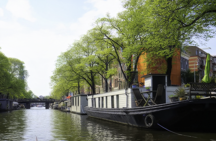 How to visit Amsterdam in two days. Boathouses in Amsterdam used to be for the poor, but these days are long gone!