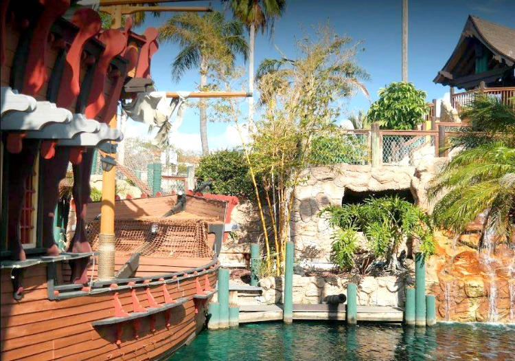 Miniature golf is always a fun thing to do with kids in Clearwater, FL