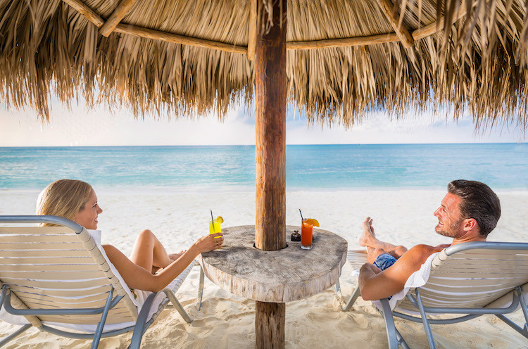 Calm beaches in Aruba, you can find many unique wellness activities with kids