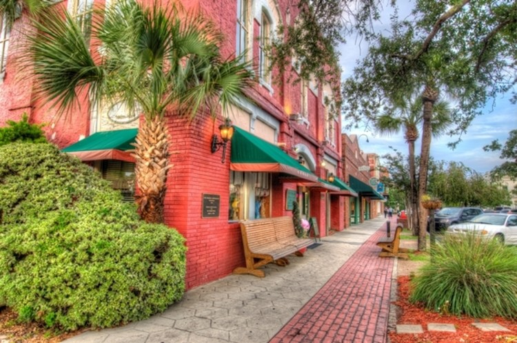 Amelia Island has great shopping in downtown Fernandina Beach - especially when on a mother daughter getaway!