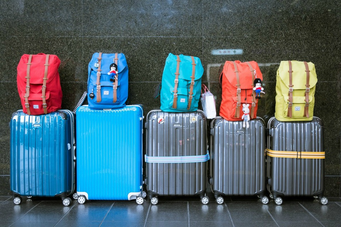 Step by Step Guide: How to Pack a Suitcase in 29 Minutes
