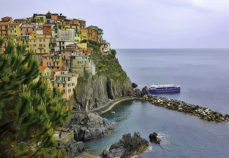 Cinque Terre 3 day itinerary. Make it a priority to take a boat tour along Cinque Terre villages.