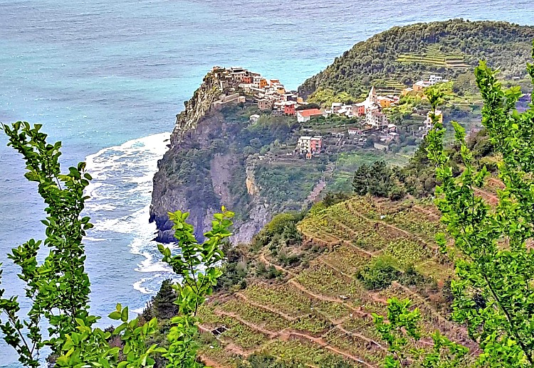 Cinque Terre 3 day itinerary. Hike up to enjoy these stunning views of Corniglia.