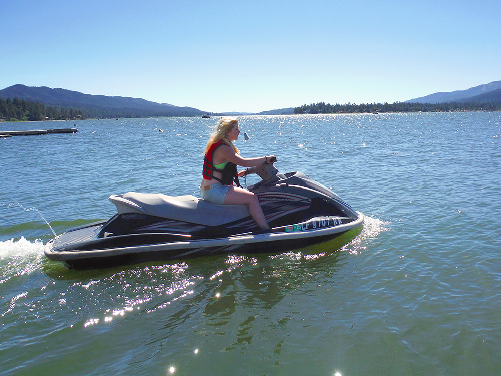 Water sports like jet skiing are among the 7 things to do in Big Bear lake in summer.