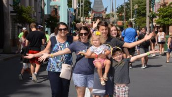 Want the perfect Disney family photo? Here's a roundup of the best backdrops in Disney World for your group picture. Now if you could just get everyone to smile. #Disney #family #photo #disneyworld