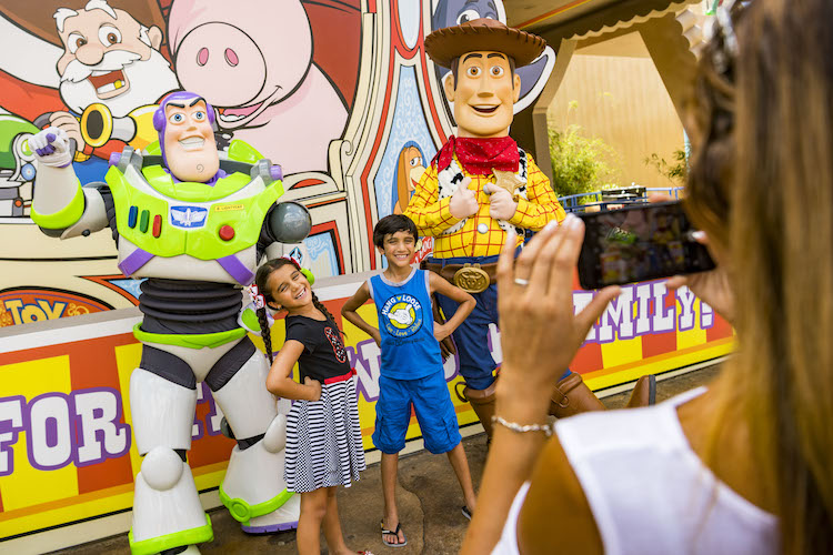 Use our Ultimate character guide for Disney's Hollywood Studios on your next Walt Disney World vacation.