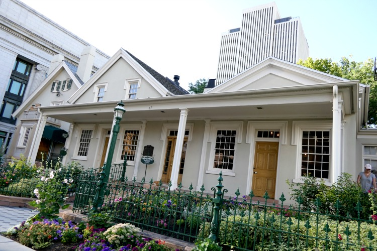 The Beehive House is one of the top tourist destinations in Salt Lake City and can easily be seen in one day.