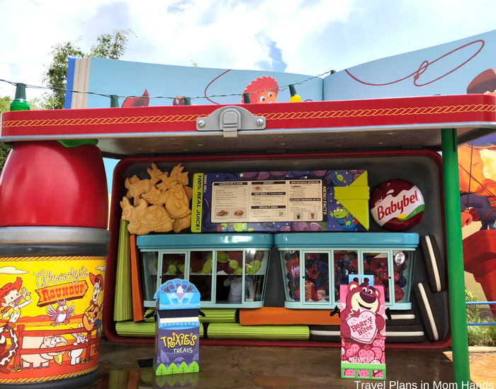 One of our best Toy Story Land tips is to use mobile ordering for Woody's Lunch Box at Disney's Hollywood Studios. Saves a ton of time!