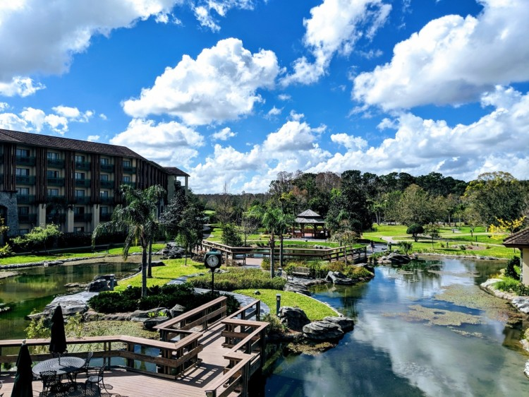 The Shades of Green Resort offers military members deluxe accommodations at value prices and is a top military discount at Disney.