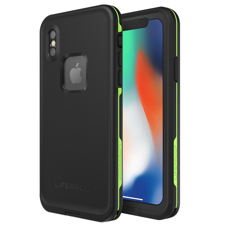 Before you open the case, make sure to protect your phone. Being waterproof and shockproof helps make the Lifeproof FRE Phone Case one of best travel gifts |TravelingMom Best Travel Gifts for Women
