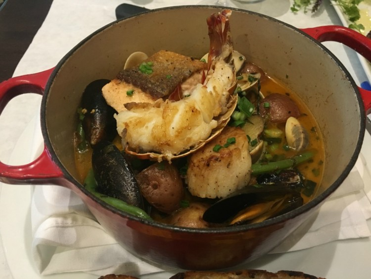 Restaurants in Florida's St.Pete/Clearwater serve up seafood fresh from the Gulf of Mexico.
