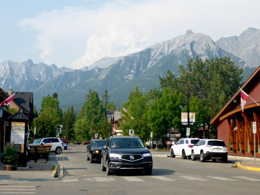 The mountain in Canmore, Alberta make for a ton of adventurous things to do!