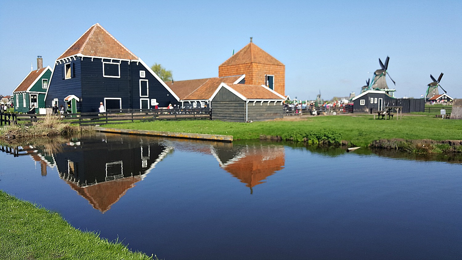 Best day trips from Amsterdam. Zaanse Schans village is as Dutch as it could be.