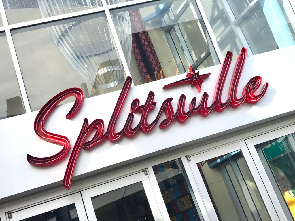 Dining and fun activities? Both can be accomplished at Splitsville Luxury Lanes