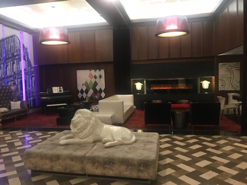 Looking for things to do in Minneapolis? The Kimpton Grand is a convenient home base and a dog friendly hotel in Minneapolis