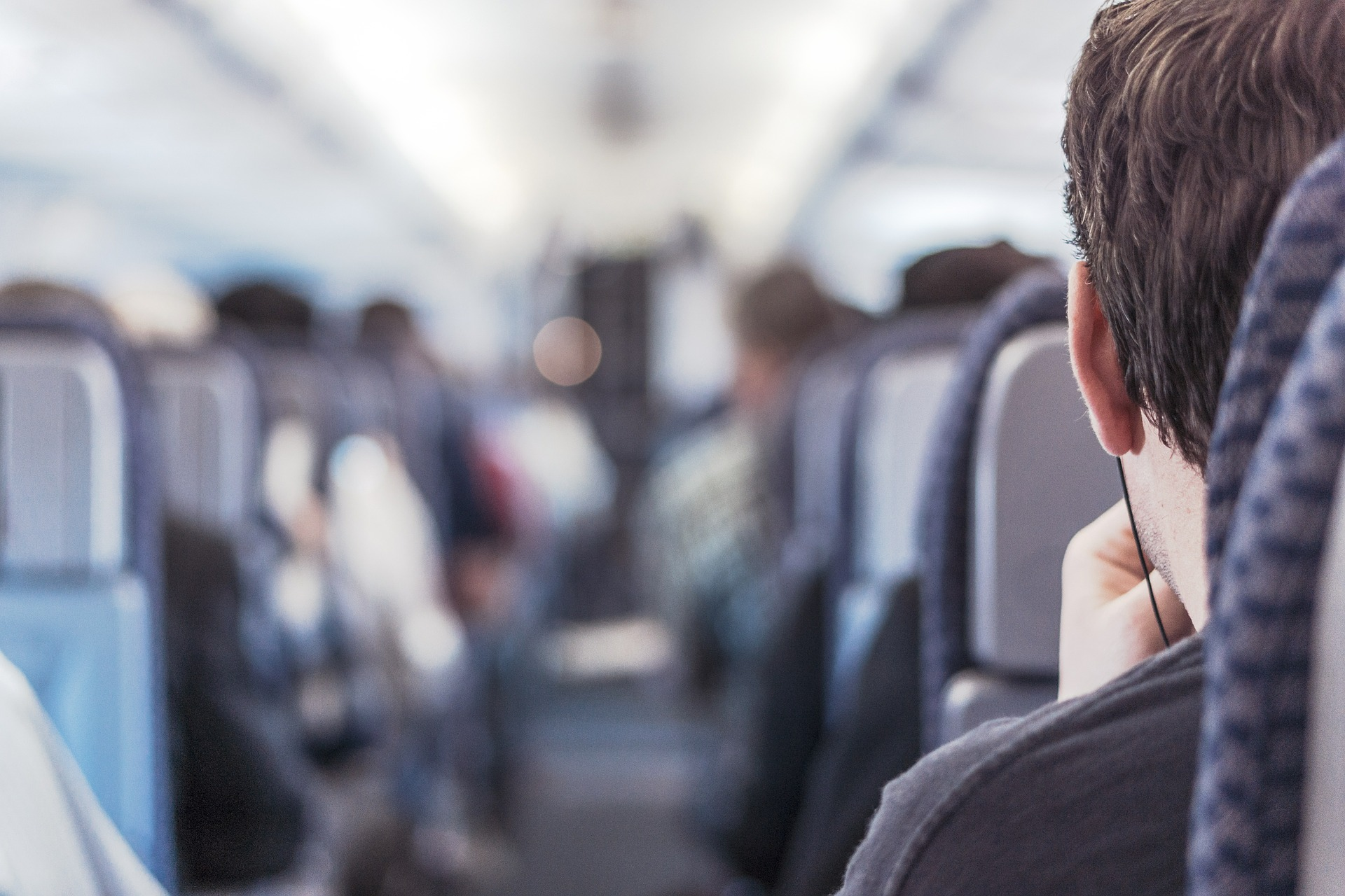 passengers on a plane, how to fly standby