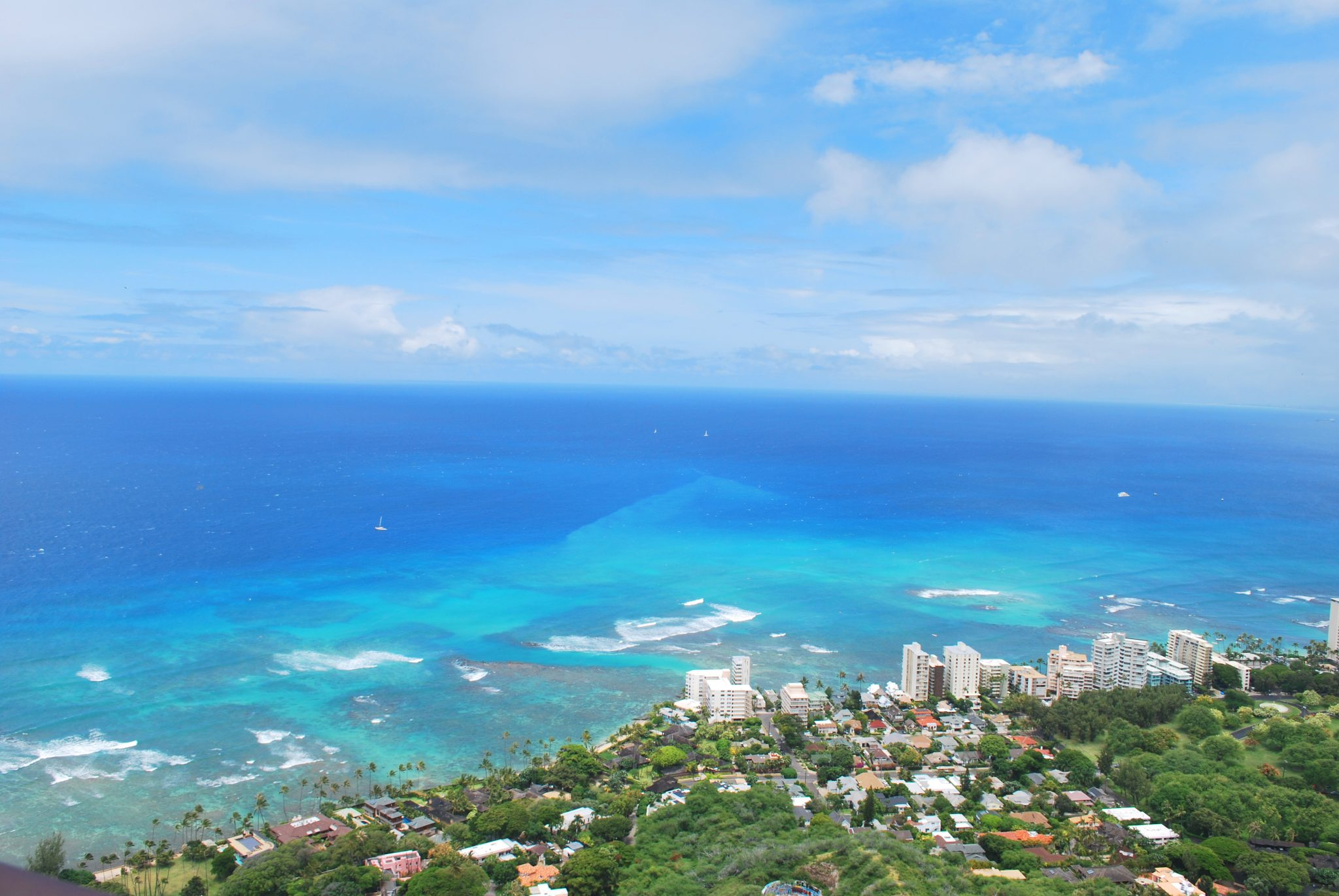 Oahu is the best Hawaiian island to experience a town and country vacation.