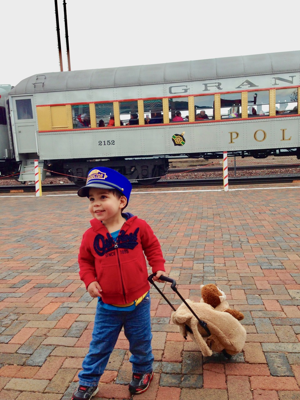 This is one train you won't want to miss. There are several reasons why you should ride the Polar Express in Arizona! Photo by Multidimensional TravelingMom, Kristi Mehes.