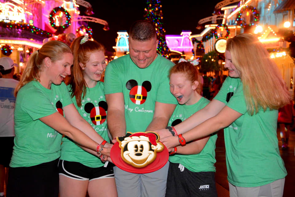 Mickey's Very Merry Christmas Party magic shots make great family photos.