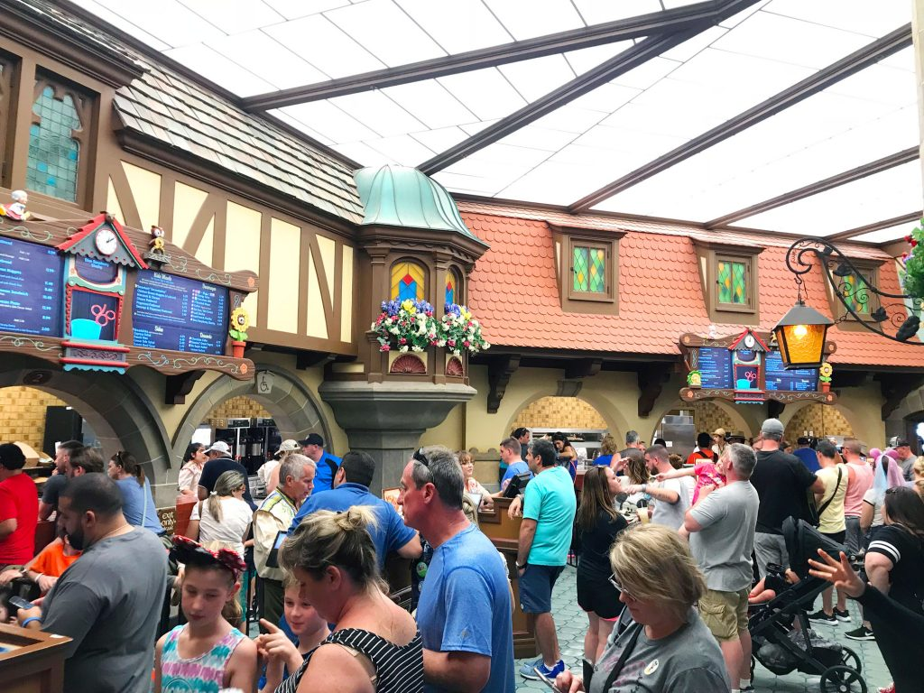 Traveling Mom has everything you need to know about Disney World Quick Service Dining.